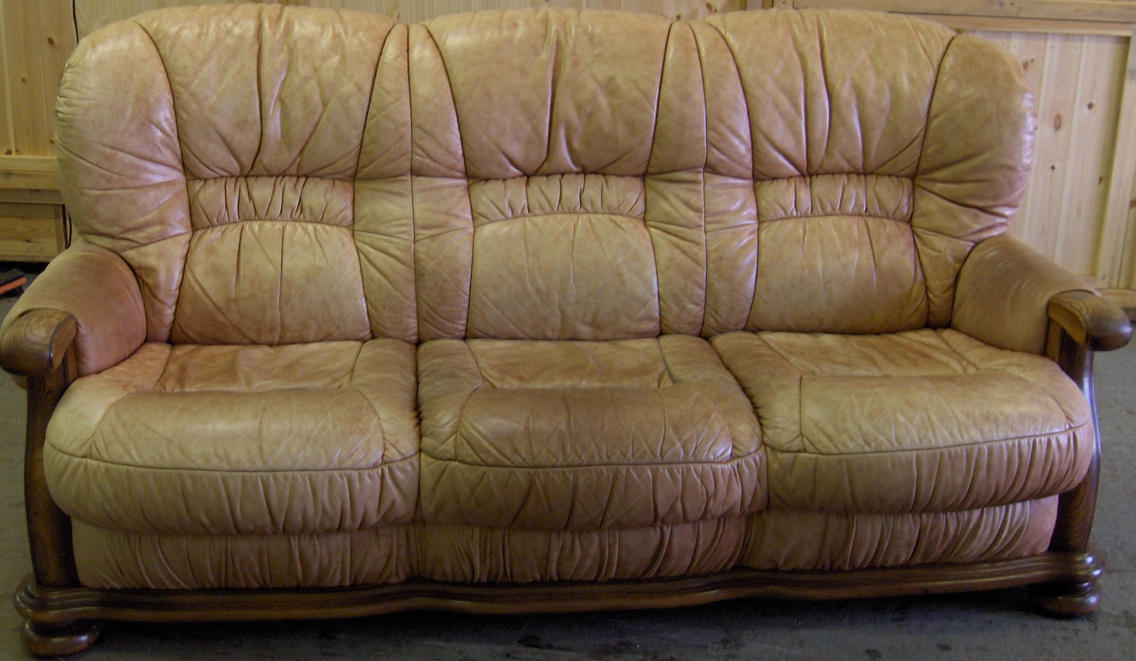 Leather Sofa Re-Dye. | Leather Repair Miami | Auto Leather Repair