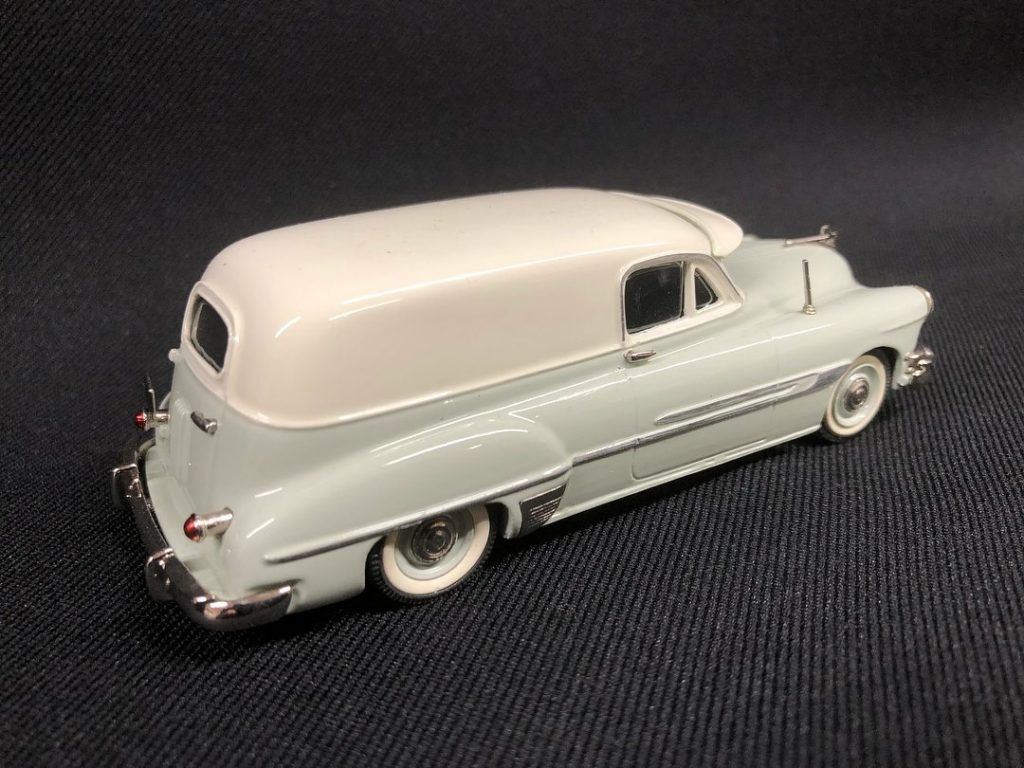 1952 Pontiac Sedan Delivery two tone
